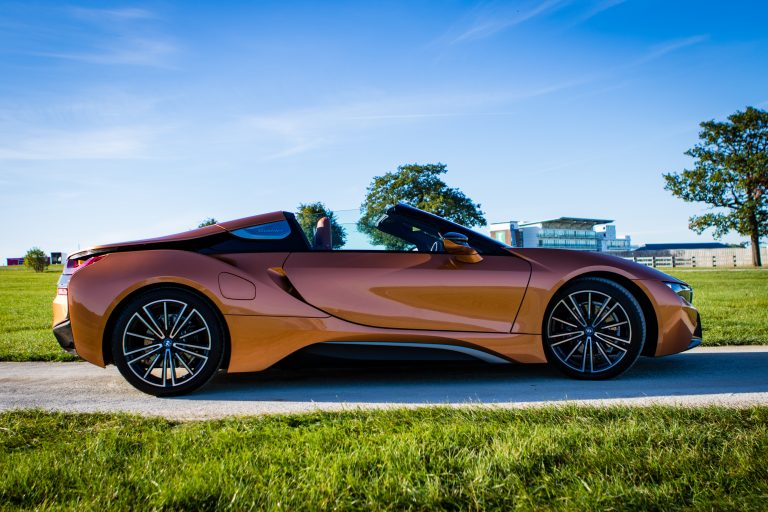 BMW i8 profile shot